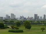川口市市街地を望む