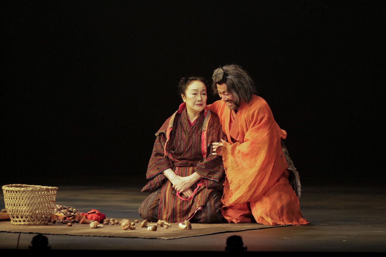 常陸坊海尊舞台写真�白石大石撮影:岡千里