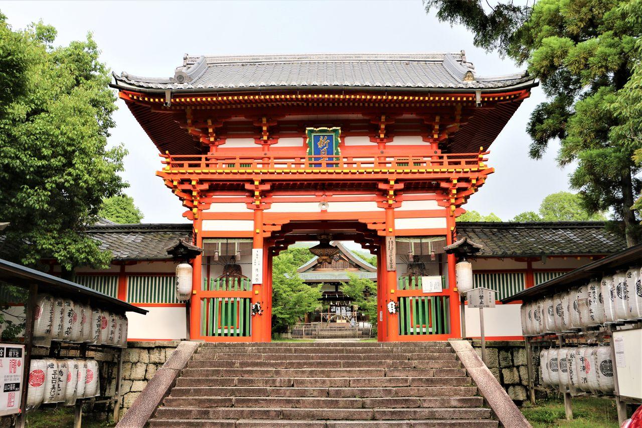 ●新日吉神宮朱色山門IMG_4693