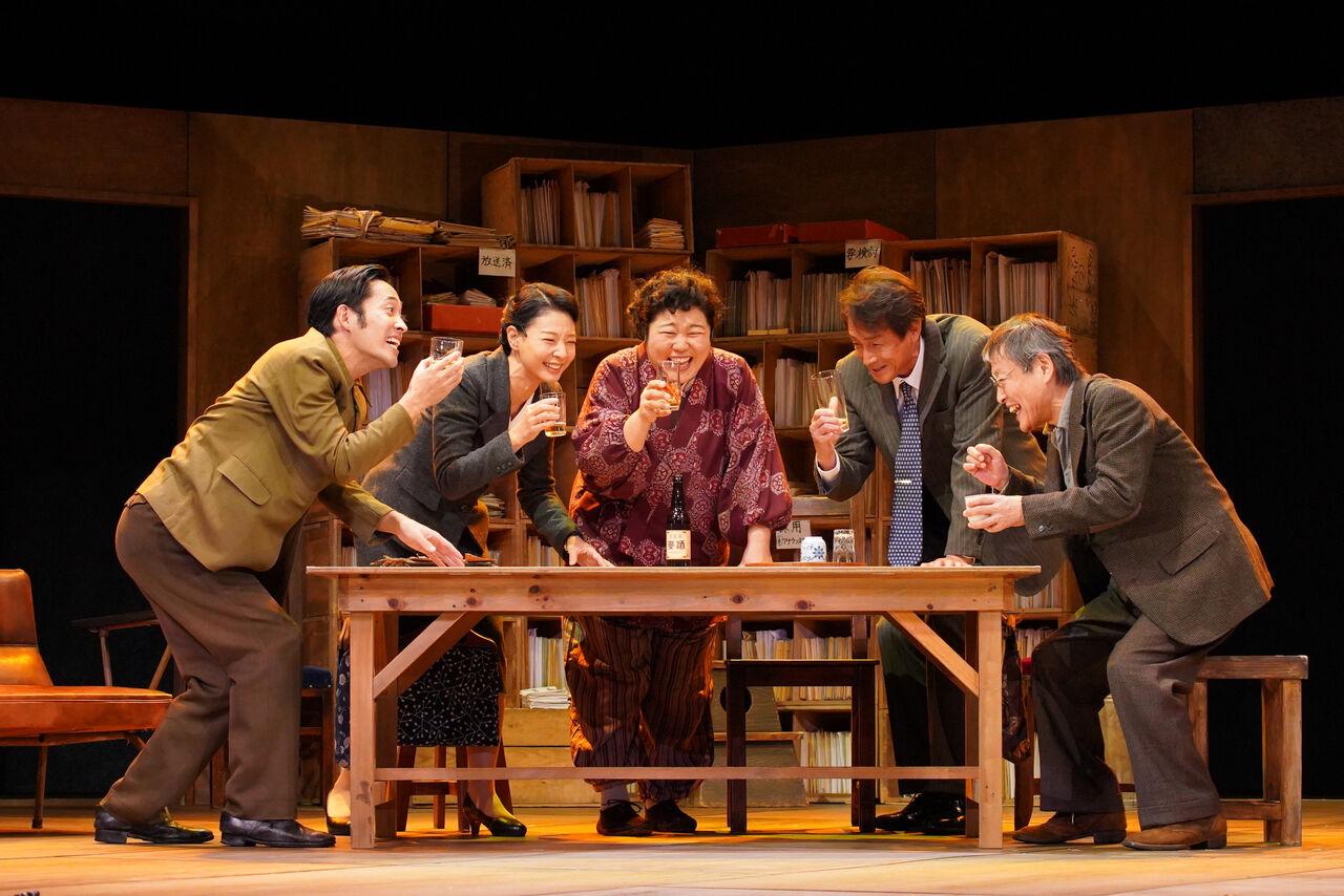 『私はだれでしょう』舞台写真�平埜朝海枝元吉田大鷹ビール