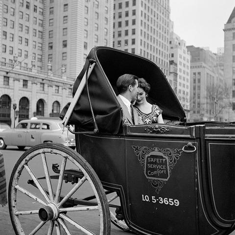 VM-3271953-NY-Carriage