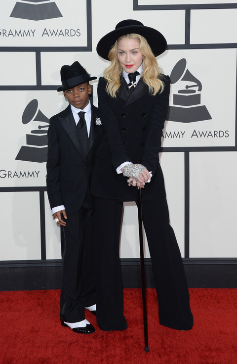 Madonna-Son-In-Ralph-Lauren-2014-Grammy-Awards-600x920