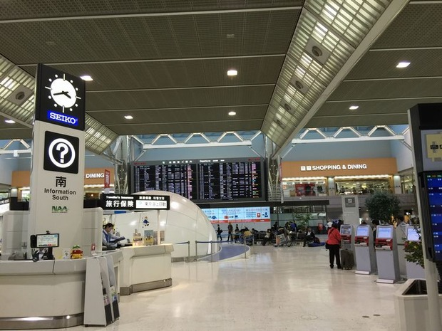 成田空港チェックイン (1)