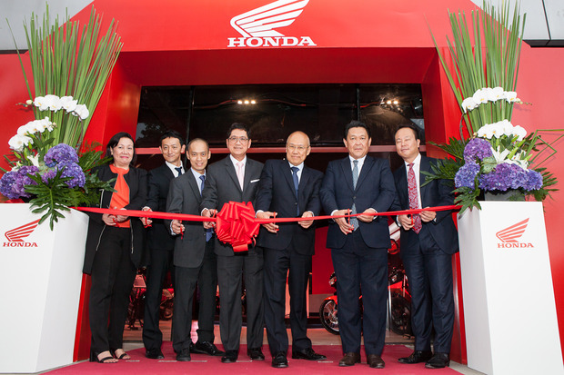 Honda-Manila-Flagship-Shop-Ribbon-Cutting