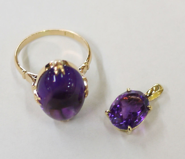 紫石の指輪とペンダントトップ