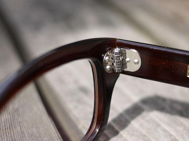 鯖江産のメガネ「元げん」、7枚丁番