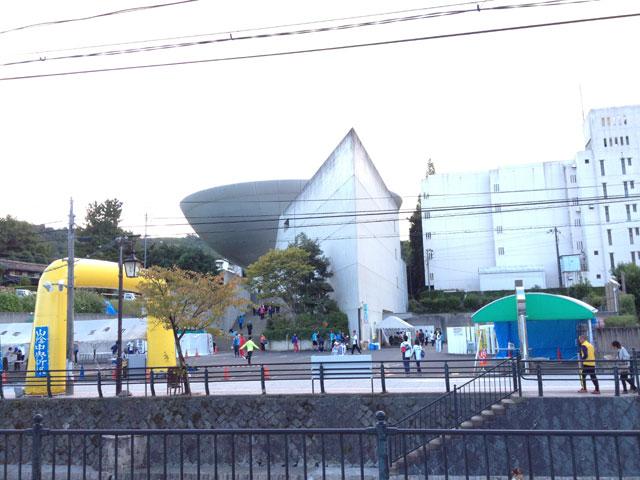 第56回松江玉造ハーフマラソン2013年、ゆ~ゆ前のゴール
