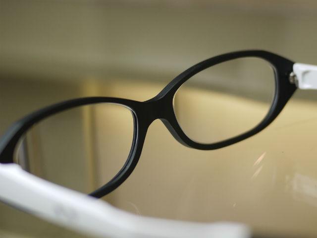 化粧が取れない跡が付かない、鼻パッドがない軽量眼鏡ネオジン
