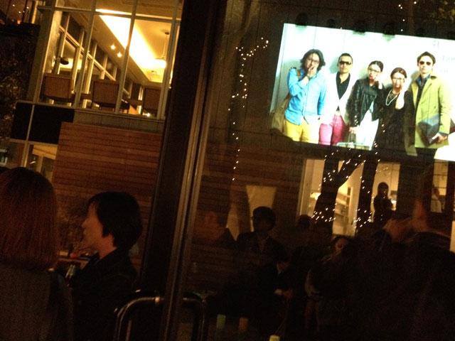 パーティー会場屋外でのフォト写真