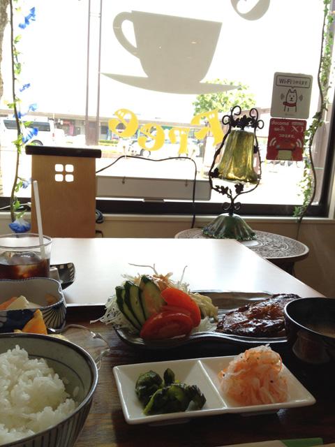 鯖江駅の喫茶店にて昼食