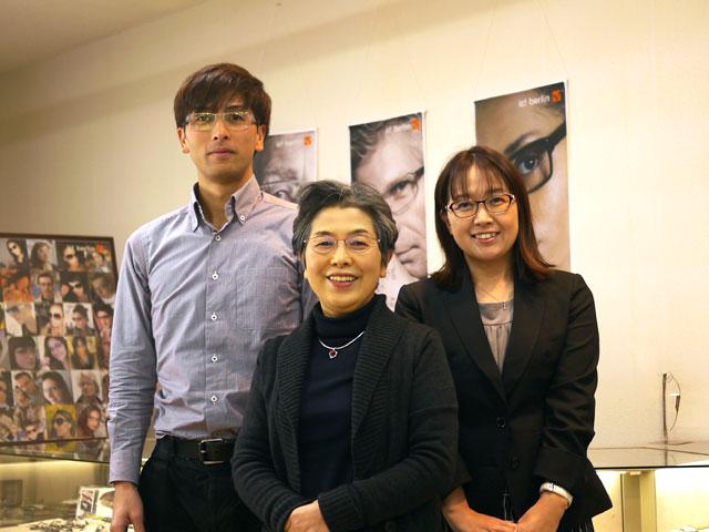 長谷川時計店スタッフの集合写真