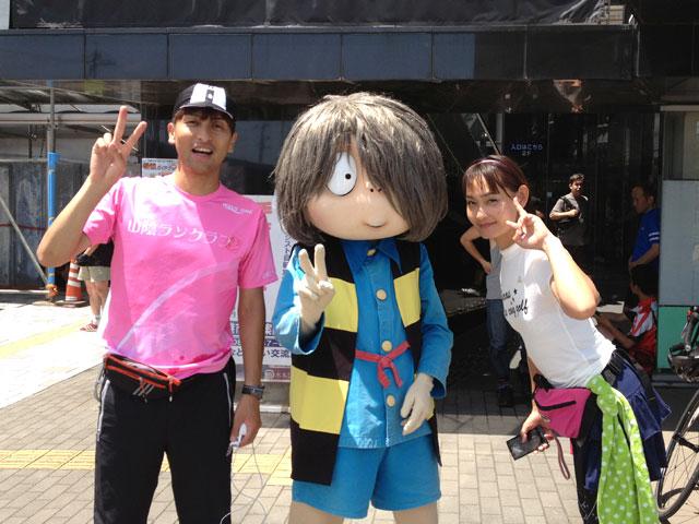 境港駅にて鬼太郎と一緒に写真