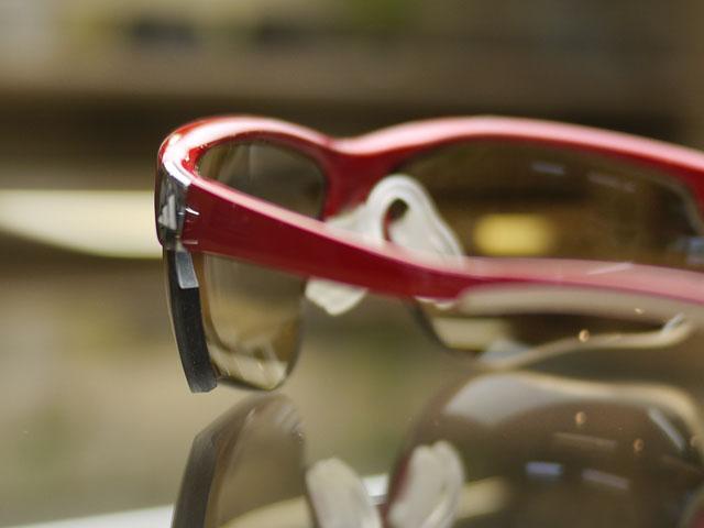 度付きスポーツ用サングラス、ハイカーブNXTレンズの左レンズ厚み