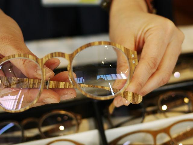 木製のメガネフレーム