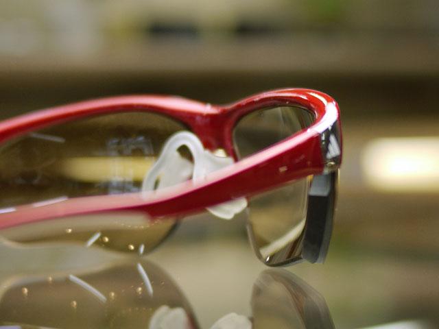 度付きスポーツ用サングラス、ハイカーブNXTレンズの右レンズ厚み