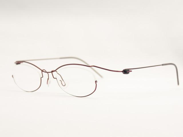 超軽量なオーダー眼鏡コンセプトYで玉型をデザイン