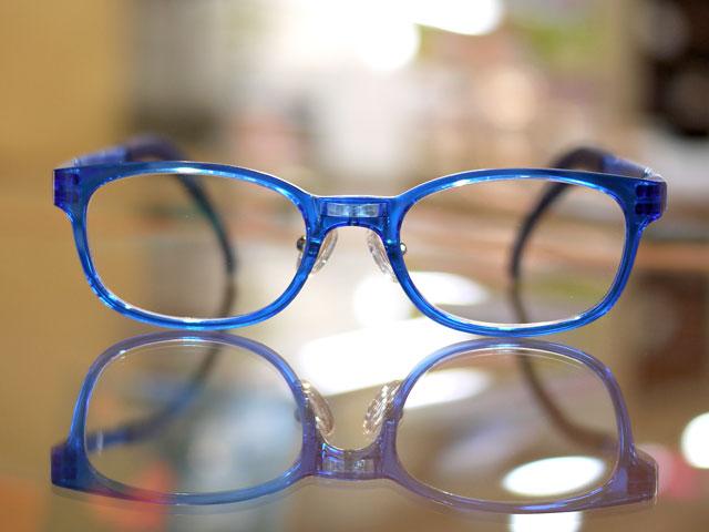 小児用眼鏡アイクラウド丈夫で安心安全、壊れにくい
