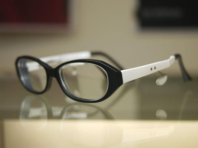 NEOJINネオジンライト、超弾性樹脂の鼻当てがない眼鏡