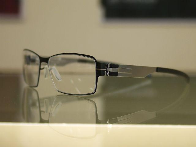 ic!berlinアサヒビール、スーパードライCM福山雅治さん着用黒ぶち眼鏡