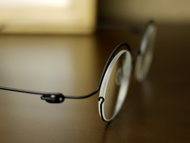 コンセプトY・丸眼鏡、遠近両用・薄い仕上がり右