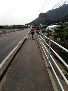 2013えびすだいこく100kmマラソン追い越し後の写真