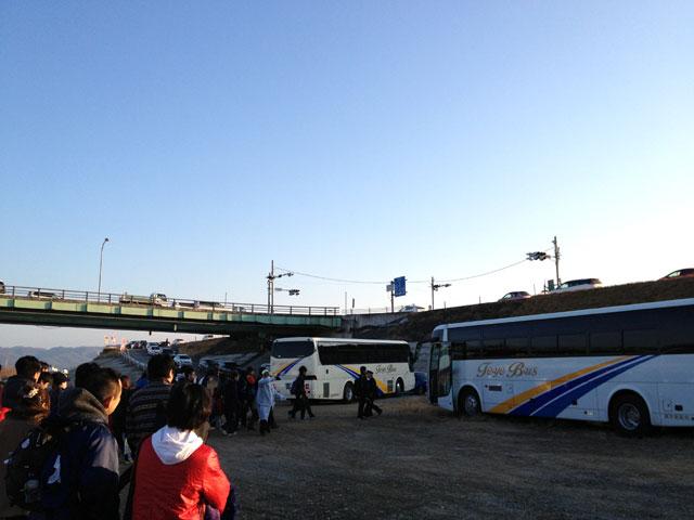総社市マラソン河川敷駐車場からシャトルバス
