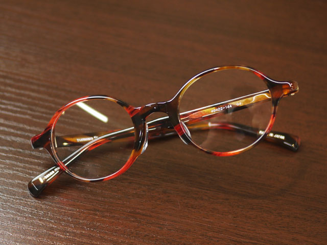 TurningStepターニングステップ女性にも似合う丸メガネ、赤