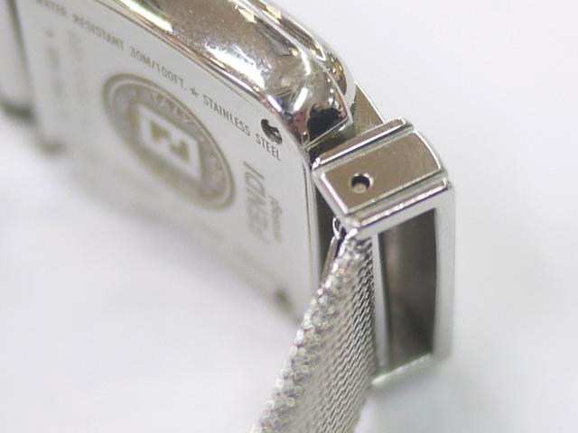 フェンディ腕時計レディースのベルト取り付け部