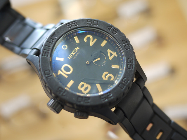 ニクソン腕時計の針取れの修理依頼