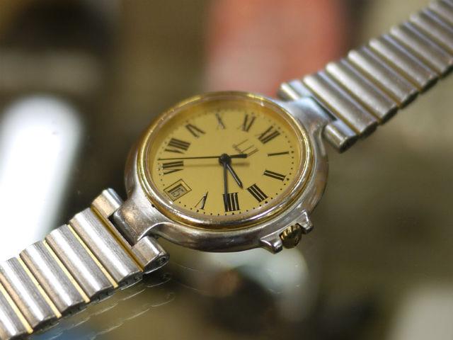 男性用腕時計ダンヒル(dunhill)ミレニアム金属バンド修理