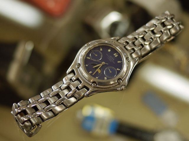 高校生に買ってもらったシチズンの腕時計ムーンフェイズ