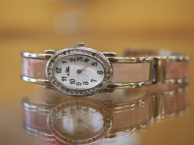 レディース腕時計バングル女性用ファッションウォッチ・雑貨