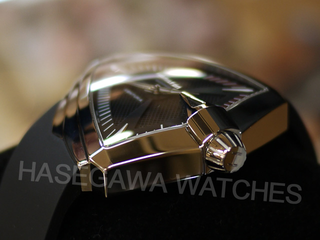 ハミルトン・ベンチュラXXLオート自動巻き時計ケース横