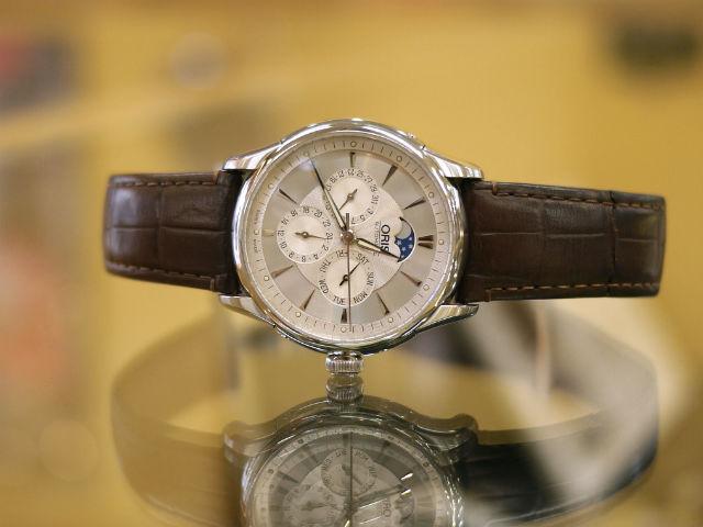 オリス・アートリエ・ムーンフェイズ、スイス機械式自動巻き腕時計