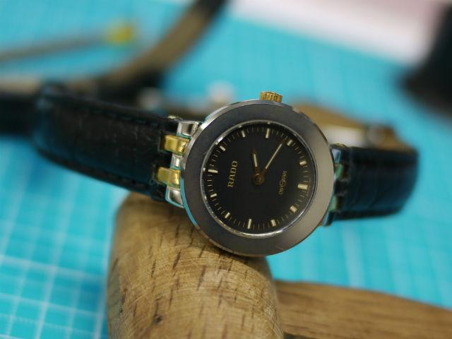 腕時計ラドーの凹凸ラグベルトの交換完了