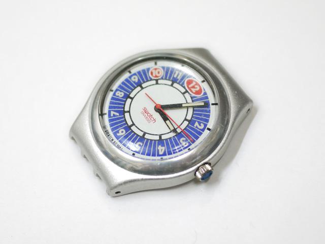 swatch純正ベルトを外して、時計本体ケースのみになりました