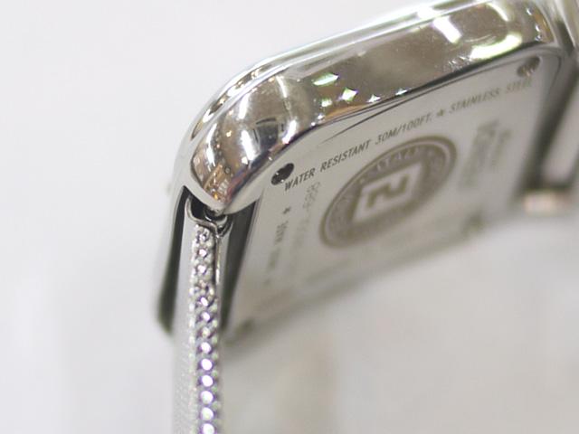 フェンディ女性用腕時計のベルト取り付け部