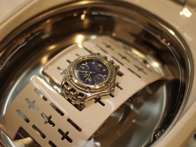 シチズン腕時計を超音波洗浄器にセット