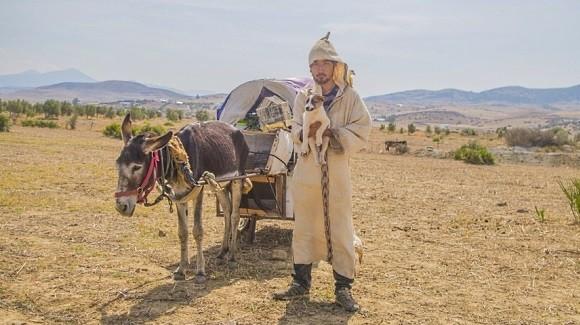春間豪太郎 行商人に憧れて、ロバとモロッコを1000km歩いた男の冒険