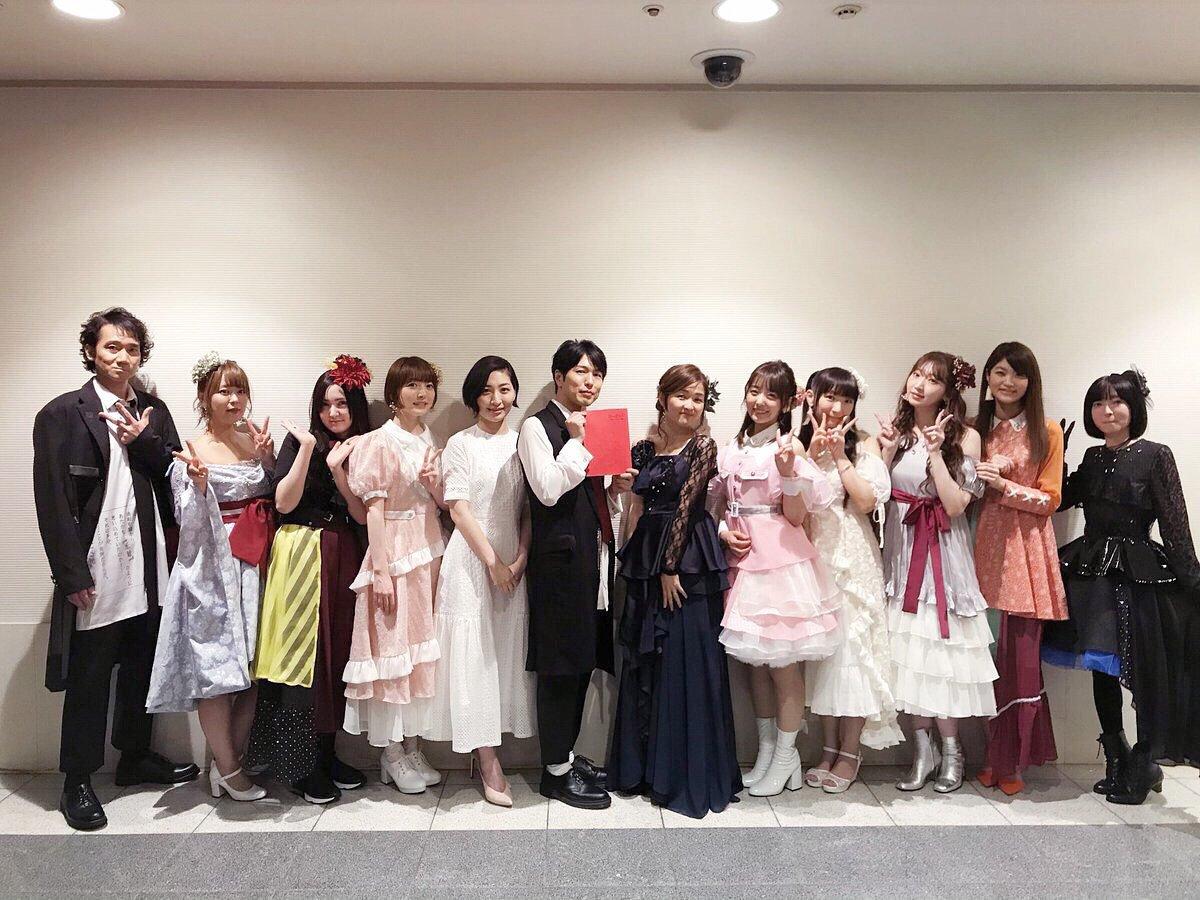 【朗報】花澤香菜さん、めっちゃ可愛い衣装を着る