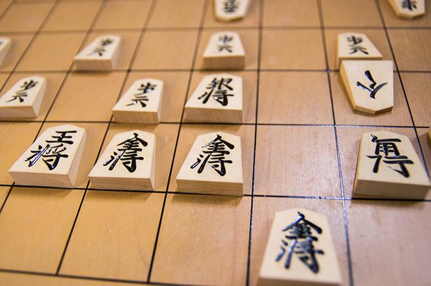 将棋業界「助けて!囲碁みたいにブームを起こせる将棋漫画が出てこないの!」