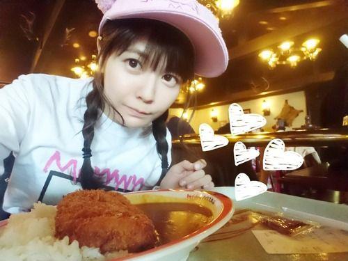 【画像】やっぱ竹達彩奈さんはカレーが似合うね