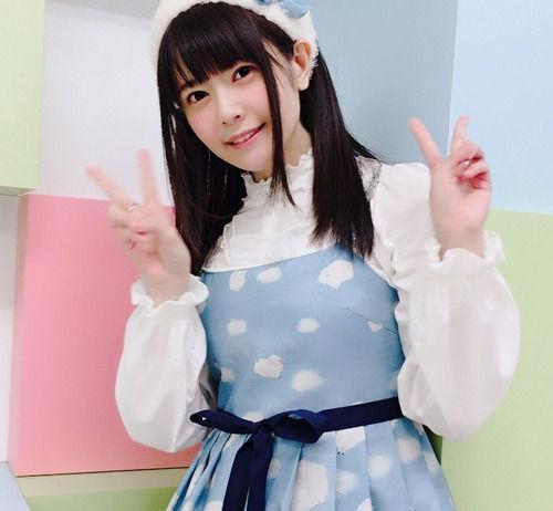 【画像】声優・竹達彩奈さんのこの格好可愛すぎだろ!!!!!