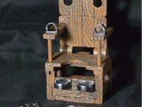 【可動フィギュア用に】1/12スケール「拘束椅子」通販開始