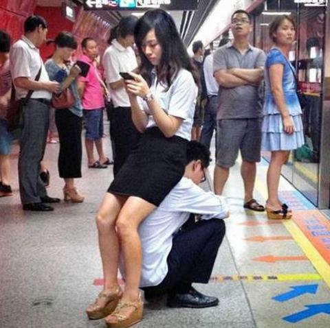 電車男ならぬ椅子男