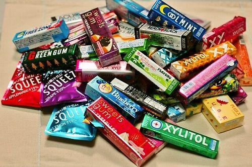 ガムが売れない!2004年から半減、でもチョコやスナック菓子は伸びている