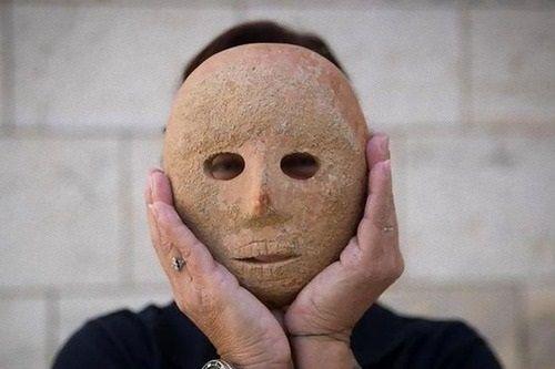 9000年前の石の仮面が発見される!まさにアレwwwww