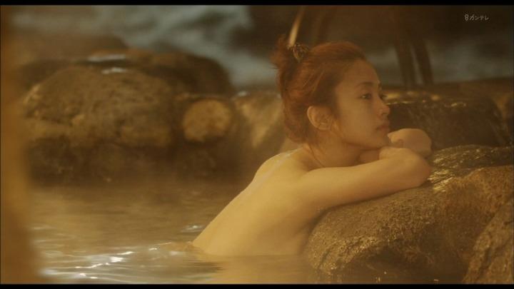 上戸彩の入浴シーンがエロいキャプ画像