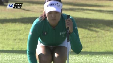 【パンチラTVエロキャプ画像】女子ゴルフ中継が最近パンチラ見るなら鉄板らしいわwwwww
