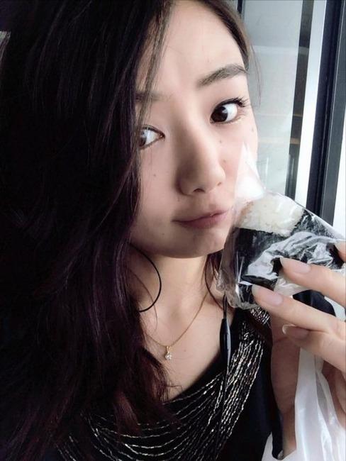 片山萌美 女優の自撮り写メが可愛いw